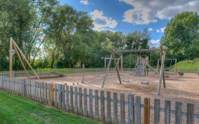 26 - Isis Lake - playground
